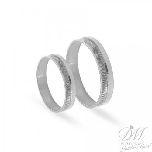 Obrączki ślubne płaskie z pięknym zdobieniem 4 mm