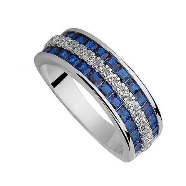 Srebrny pierścionek z licznymi cyrkoniami