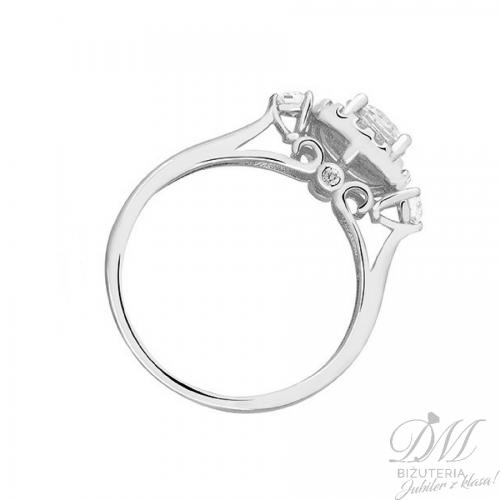 Piękny pierścionek srebrny z cyrkonią