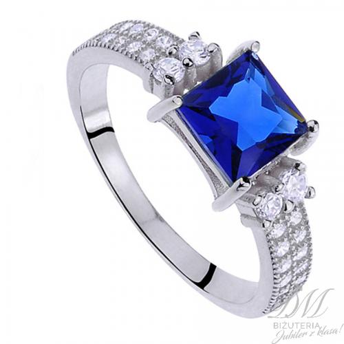 Elegancki pierścionek z szafirem na prezent