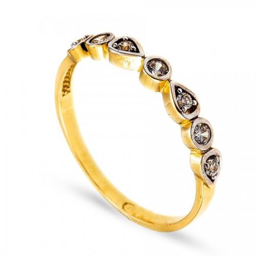 Delikatny złoty pierścionek o ciekawym kształcie