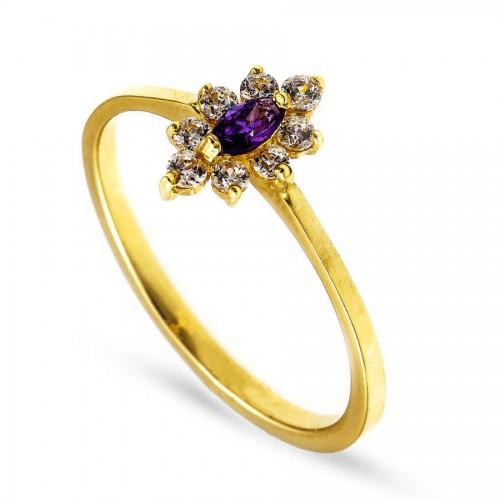 Delikatny złoty pierścionek z fioletową cyrkonią