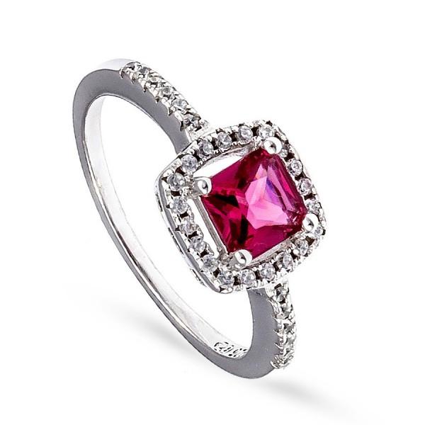 Srebrny pierścionek z kwadratową czerwoną cyrkonią